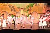 Goldilocks Ensemble and Dancers. Photo EPT