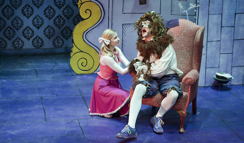 Eilidh Weir as Katie and James Boal as The Beast