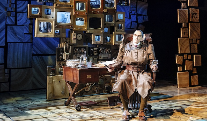 1 1 Elliot-Harper-as-Miss-Trunchbull-in-the-Royal-Shakespeare-Companys-Matilda-The-Musical-Credit-Manuel-Harlan-5